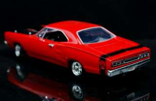 1969 Dodge Coronet SUPER BEE   MotorMax Diecast 124 Scale   Red